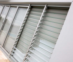 Aluminum louver windows