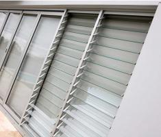 Aluminum louver windows