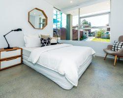Bedroom with aluminum windows